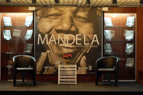 MANDELA: RETRATO AUTORIZADO - Foto 1