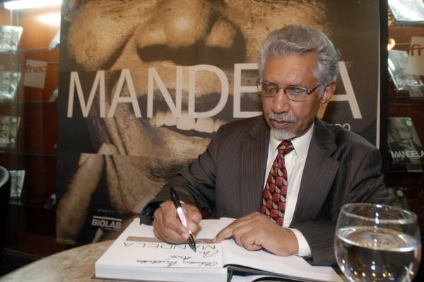 MANDELA: RETRATO AUTORIZADO - Foto 11
